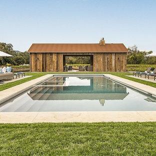 Foto de piscinas y jacuzzis alargados, campestres, rectangulares