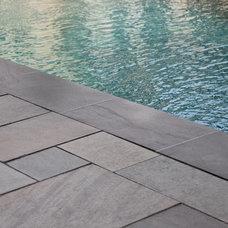 Modern Pool by Matthew Cunningham Landscape Design LLC