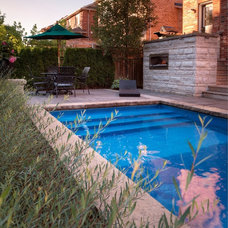 Contemporary Pool by Ian McClelland Associates Ltd