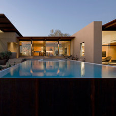 Contemporary Pool by Customatic.com