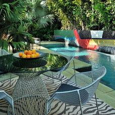 Contemporary Pool by BURLEYATESDESIGN