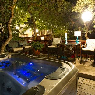 Diseño de piscinas y jacuzzis elevados, tradicionales renovados, pequeños, en azotea, con adoquines de hormigón