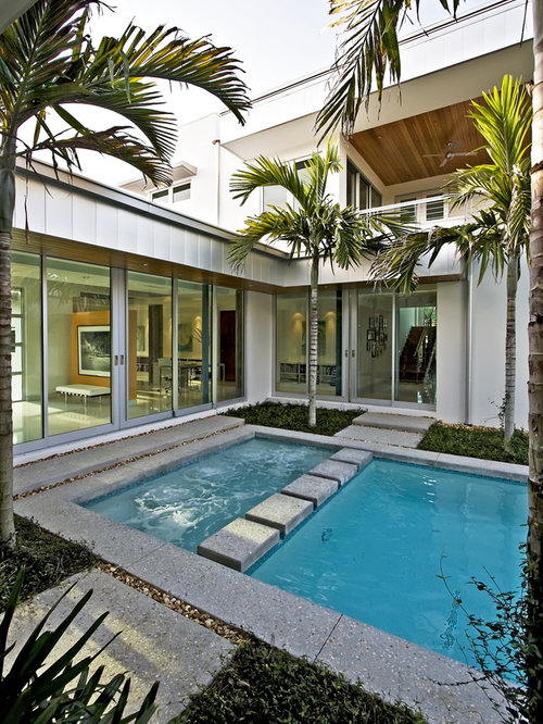 Small courtyard pool design ideas renovations photos for Pool design houzz