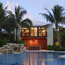 Tropical Pool by Searl Lamaster Howe Architects