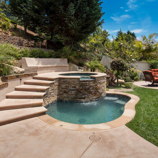 Example of a classic hot tub design in San Diego