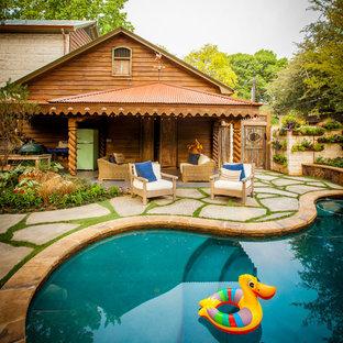 Imagen de piscina rural tipo riñón