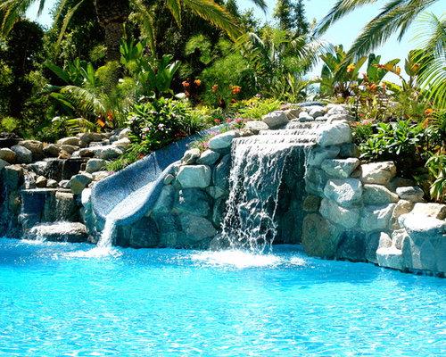 Nat rlicher pool mit wasserrutsche ideen swimming pool for Demaria landtech