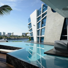 Contemporary Pool by SOSTUDIO / Sergio Orduña Architects