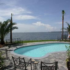 Traditional Pool by O'Shea Builders Inc.