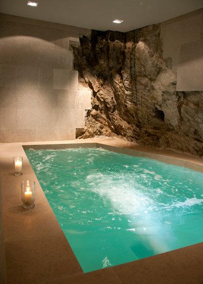 Mediterranean Pool by Oscar Interiors