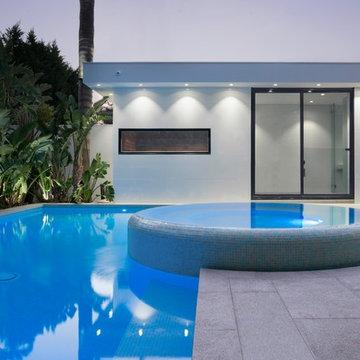 Caulfield Resort Style Spa and Pool