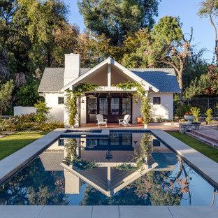 Country Pool hinter dem Haus in rechteckiger Form in Phoenix