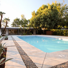 Midcentury Pool by Studio Jhoiey Inc.