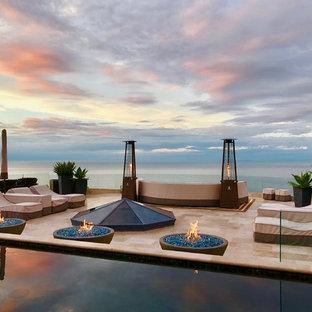 Modelo de casa de la piscina y piscina infinita, clásica renovada, grande, rectangular, en azotea, con adoquines de piedra natural