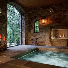 Traditional Pool by Bergeron Custom Homes, LLC