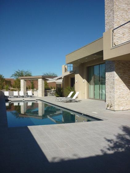 Modern Pool by SCA Design