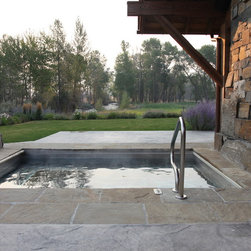 Rustic hot tub outdoor design ideas pictures remodel decor for Martin wade landscape architects