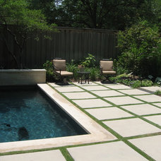 Contemporary Pool by Archiverde Landscape Architecture
