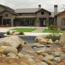 Farmhouse Pool by Westfall Design Studio