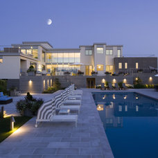 Contemporary Pool by Austin Patterson Disston Architects
