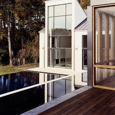 Modern Pool by Lewis  Aquatech