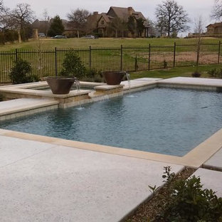 Contemporary Plunge Pool in Roanoke