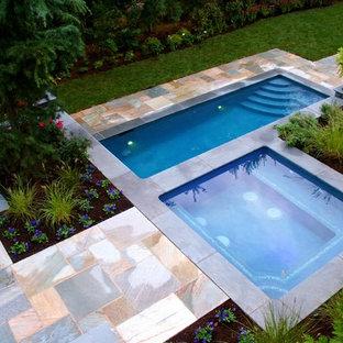 На фото: прямоугольные бассейны в современном стиле