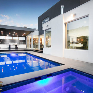 Inspiration for a contemporary pool in Melbourne.