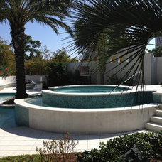 Contemporary Pool by William H. Smith, ASLA