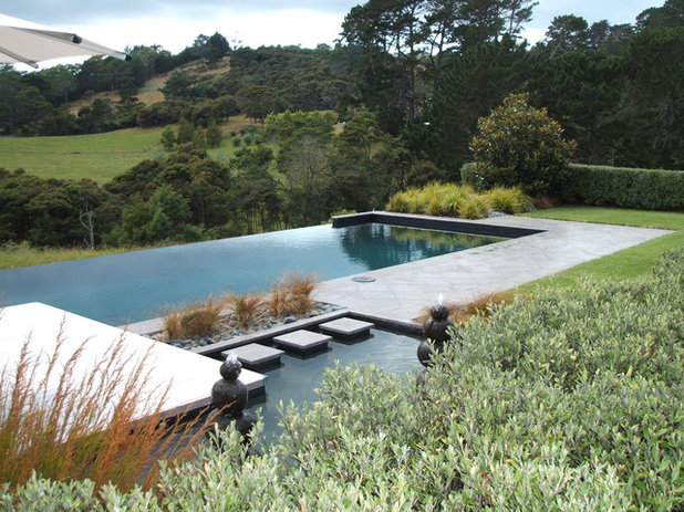 Contemporary Pool by Shafer Design Ltd