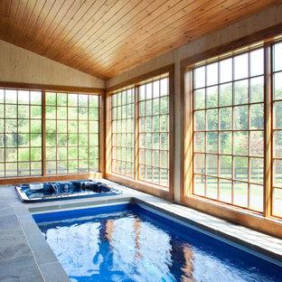 Diseño de piscina de estilo de casa de campo interior
