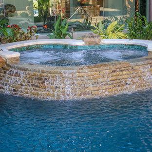 Courtyard Pool In Shavano Park (San Antonio, TX)