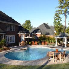 Modern Pool by TG&R Landscape Group