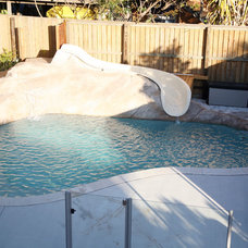 Beach Style Pool by Latitude 28 Constructions