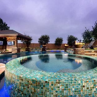 Moderner Pool in Houston