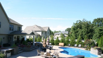Custom swimming pool with water feature