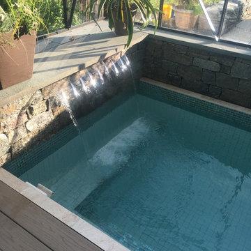 Custom tiled spa waterfall