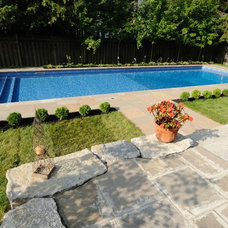 Traditional Pool by Gib-San Pools Ltd.