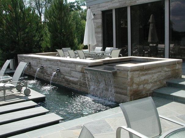 Contemporary Pool by Great Oaks Landscape Associates Inc.