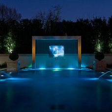 Transitional Pool by SoJo design