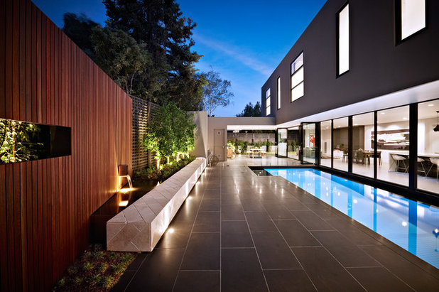 Boundary booster magical ideas for garden walls for Pool design books