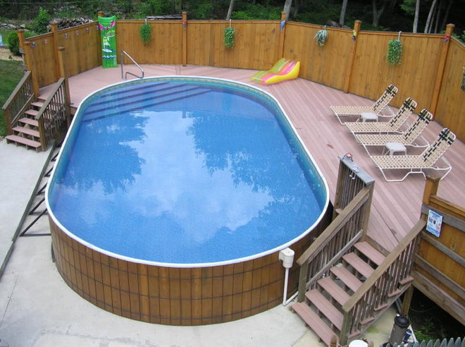 Классический Бассейн by Crestwood Pools, Inc.