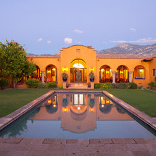 Mediterranean Pool by Robinette Architects, Inc.