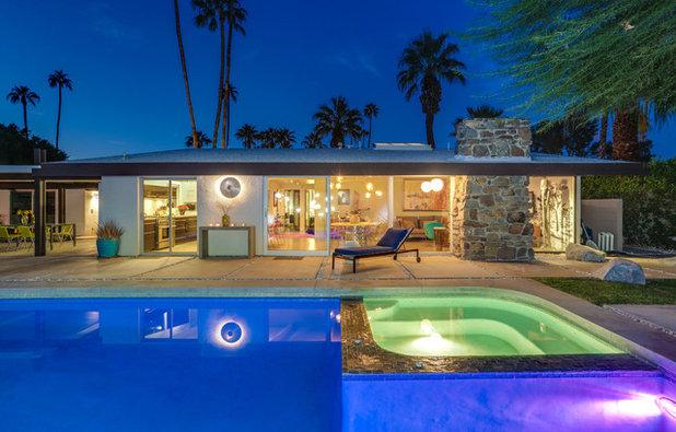 Midcentury Pool by Moderne Builders