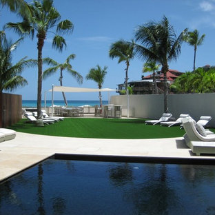 Inspiration for a modern pool remodel in Miami