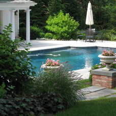 Traditional Pool by edgewater design llc