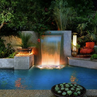 Inspiration for a contemporary pool remodel in Los Angeles