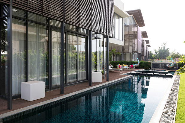 Contemporary Swimming Pool by Shalini George Interiors