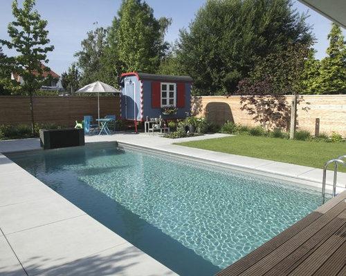 Moderne outdoor gestaltung mit poolhaus ideen design - Rechteckiger pool ...
