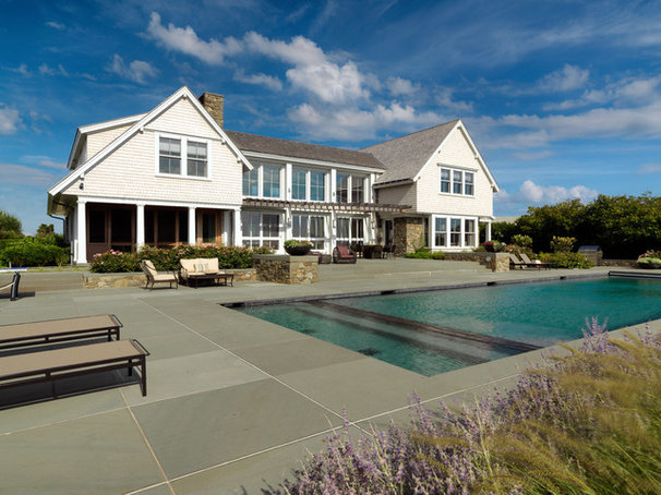 Traditional Pool by Hart Associates Architects, Inc.
